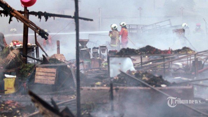 Petugas Damkar Telah Padamkan Api di Pasar Kambing Tanah Abang