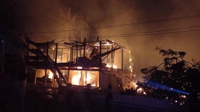 Kebakaran di Kabupaten Barru Sulsel, 7 Rumah Hangus, Seorang Penghuninya Tewas