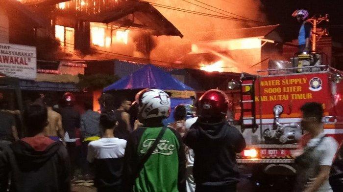 Tiga Toko dan Rumah Kontrakan di Sangatta Terbakar, Satu Penghuni Kos Hilang