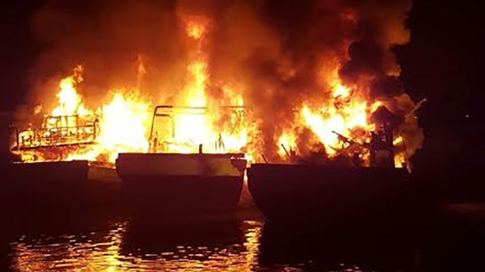 KM Bahari Indonesia Berpenumpang 26 Orang Terbakar dan Hilang Kontak di Laut Jawa
