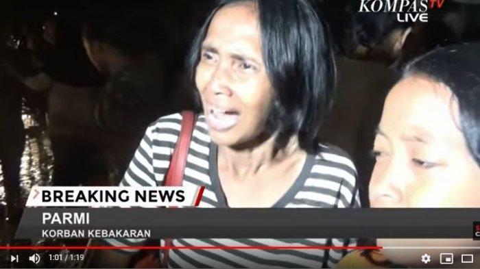 Tangkap Layar YouTube KompasTV Kebakaran melanda kawasan permukiman padat penduduk di Jalan Gunung Sahari X, Sawah Besar, Jakarta Pusat, Kamis malam. Kebakaran membuat warga panik dan histeris karena kondisi listrik tengah padam akibat banjir.