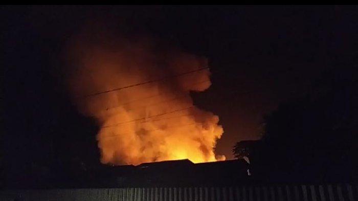 BREAKING NEWS: Pasar Lubuk Alung Padang Pariaman Sumbar Terbakar Kamis Malam