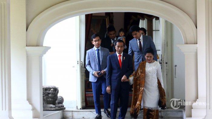 Baju Kurung Diprediksi Bakal Populer, Yuk Kenali Jenis Busana Melayu yang Dikenakan Iriana Jokowi