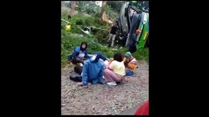 Alami Kecelakaan Maut, Bus yang Ditumpangi Puluhan Kader Posyandu Depok Terguling, Ini Videonya