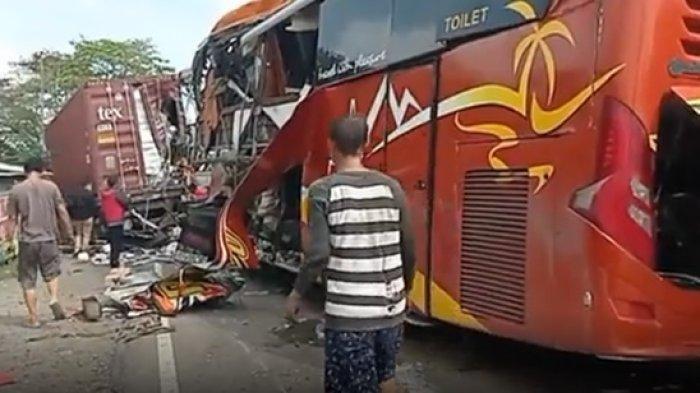 Bus Sugeng Rahayu Tabrak Truk Kontainer di Kulonprogo, Polisi: Sopir Bus Diduga Ngantuk