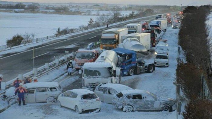 BREAKING NEWS: Kecelakaan Terparah di Jepang Libatkan 130 Kendaraan, 1 Tewas, 11 Orang Luka Berat
