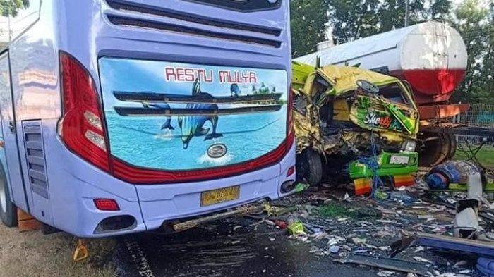 Kronologi Lengkap Kecelakaan Maut Bus AKAP Restu Mulya Versus Truk Ikan di Paiton, Situbondo