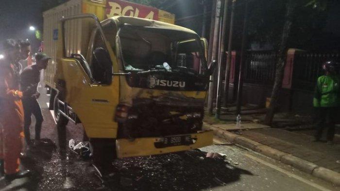 Nekat Mengemudi saat Ngantuk, Sopir Mobil Boks Tabrak Bus Sinar Jaya, Begini Kondisinya