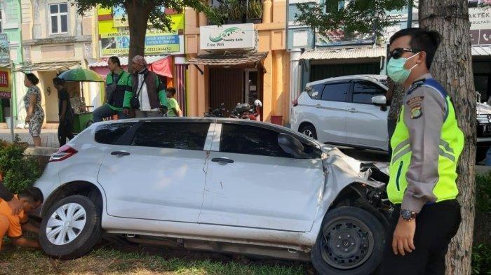 Kecelakaan Tunggal di Serpong, Mobil Tabrak Pohon Hingga Pengemudi Luka Parah di Kepala