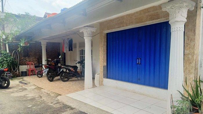 Cerita dari Kediaman Zakiah Aini: 'Dia Hanya ke Luar Rumah pada Jam-jam Tertentu Saja'