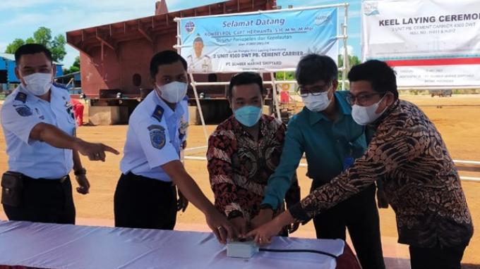 Sumber Marine Shipyard Bangun Dua Kapal Angkut Semen