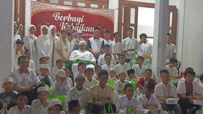 Relawan Jokowi Beri Santunan ke Anak Yatim dan Keluarga Anggota KPPS