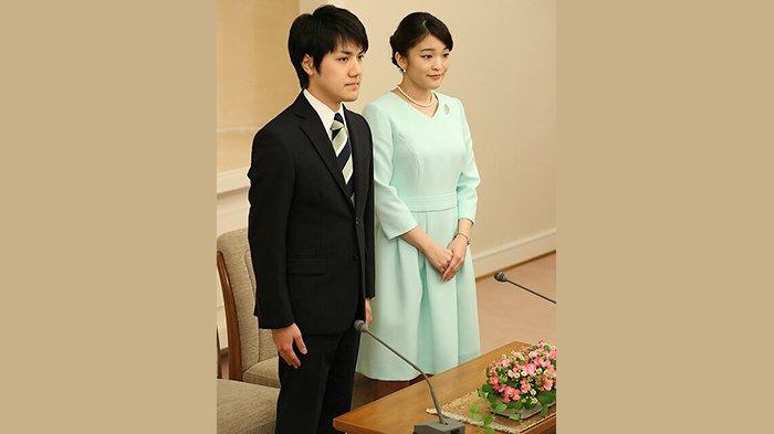 Kei Komuro (kiri) dan Putri Mako (kanan).