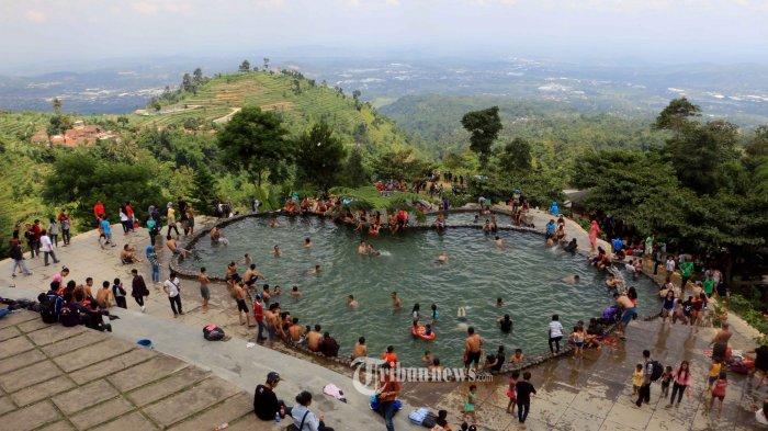 Berenang di Umbul Sidomukti, Memandang Kota Semarang dari Ketinggian