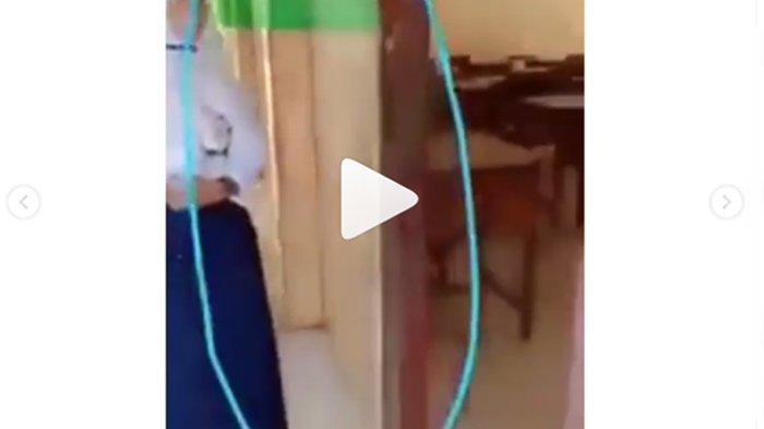 Viral Video Ibu Guru Ribut dengan Muridnya Depan Kelas Gegara Ponsel, Begini Kejadian Sebenarnya