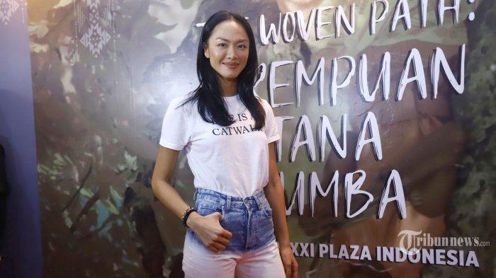 Model yang juga artis peran, Kelly Tandiono ditemui usai menghadiri acara di Jakarta, Jumat (10/5/2019). Jadwal pekerjaan yang padat mengharuskan Kelly Tandiono memiliki stamina yang tinggi. Untuk itu Kelly menjaganya dengan rajin berolahraga, antara 3-4 kali dalam seminggu. Tribunnews/Herudin