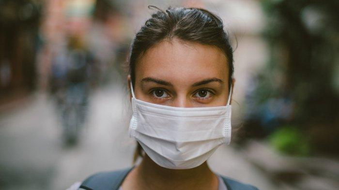 Perlukah Mengenakan Masker Saat Berada di Rumah? Ini Kata Dokter Paru