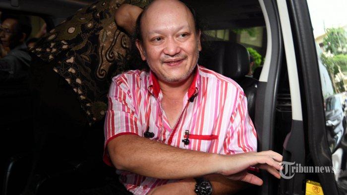 Cucu Presiden Kedua RI, Soeharto, Ari Haryo Sigit (AHS) usai menjalani pemeriksaan oleh penyidik Polda Jatim di Ruang Rapat Penyidik Gedung Ditreskrimsus Mapolda Jatim, Surabaya, Rabu (22/1/2020). Ari Haryo Sigit diperiksa karena diduga terlibat dalam pusaran bisnis investasi bodong Memiles PT Kam and Kam yang merugikan sedikitnya 264.000 orang member dengan total kerugian sekitar Rp 761 Milliar. SURYA/AHMAD ZAIMUL HAQ