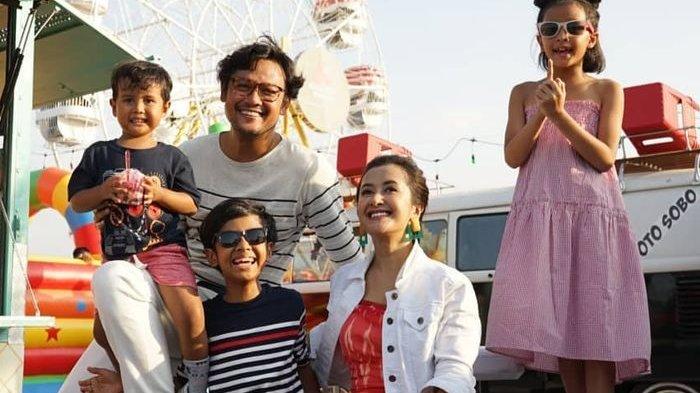 Dwi Sasono Akhirnya Bebas, Widi Mulia Bagikan Momen Kebersamaan Bareng Suami & Anak-anak Main Basket