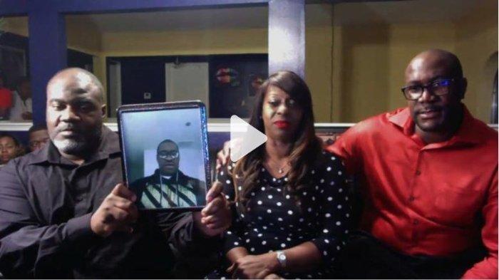 Keluarga George Floyd, pria kulit hitam yang tewas diinjak oleh polisi di Amerika Serikat.