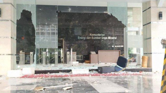 Demo Tolak UU Cipta Kerja, Polri Tetapkan 10 Tersangka Kasus Perusakan, Penjarahan di Kantor ESDM