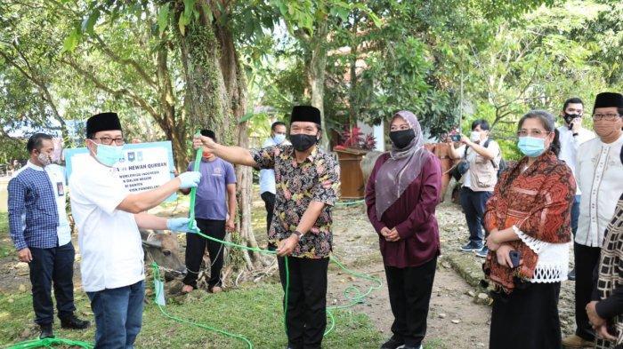 Kemendagri Terima 16 Hewan Kurban dari Islamic Relief Worldwide