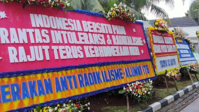 Tegas Bubarkan FPI, Kantor Menkopolhukam Banjir Karangan Bunga