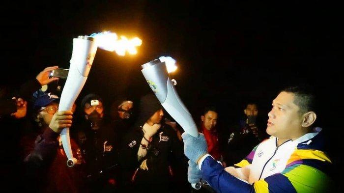 Momen Spesial Tercipta saat Api Asian Games Bertemu Api Biru Kawah Ijen