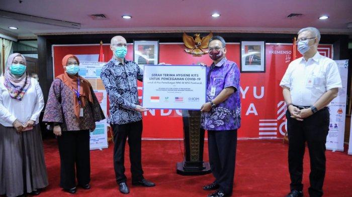 Kementerian Sosial Terima Bantuan 2.500 Hygiene Kit untuk WNI M KPO