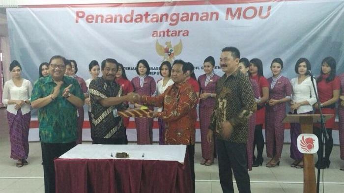Pasarkan Produk UKM, Kementerian Koperasi dan Lion Air Group Tanda Tangani MoU