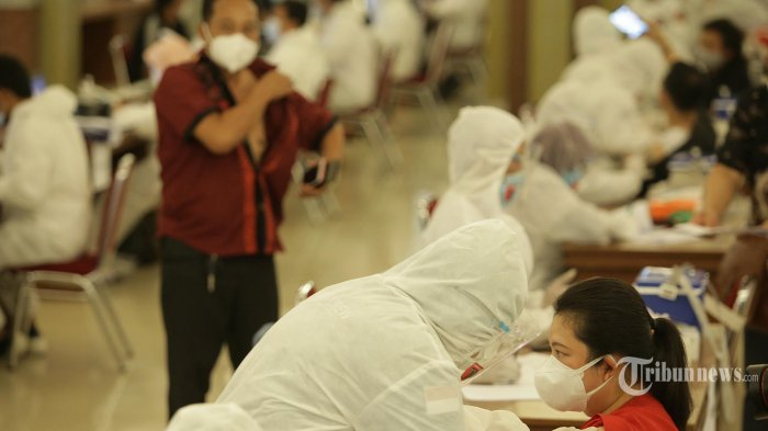 Pengamat: Keseimbangan Ekonomi dan Pembatasan Aktivitas, Cara Tepat Jokowi Tangani Covid-19