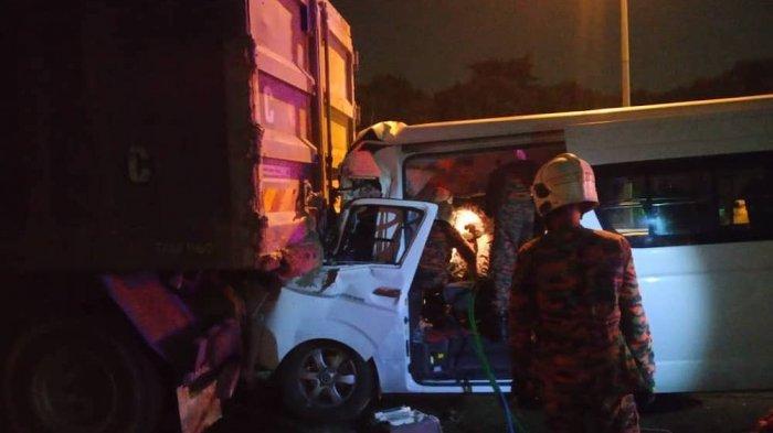 Van yang Ditumpangi Kento Momota Tabrak Truk Seberat 30 Ton, sang Sopir Masih Muda Tewas Ditempat