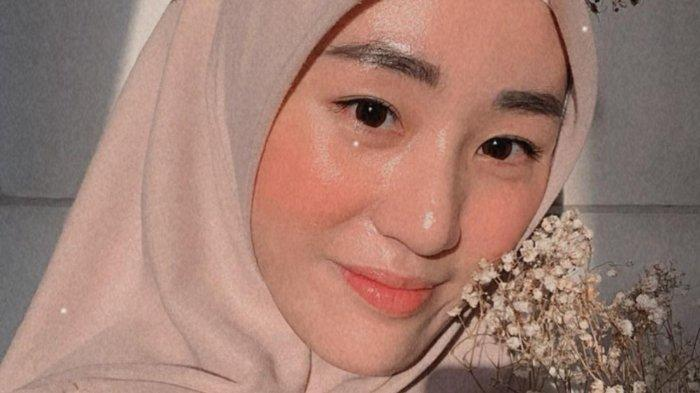 Kepada awak media, Larissa Chou menegaskan jika ia tetap ingin bercerai dengan Alvin Faiz.