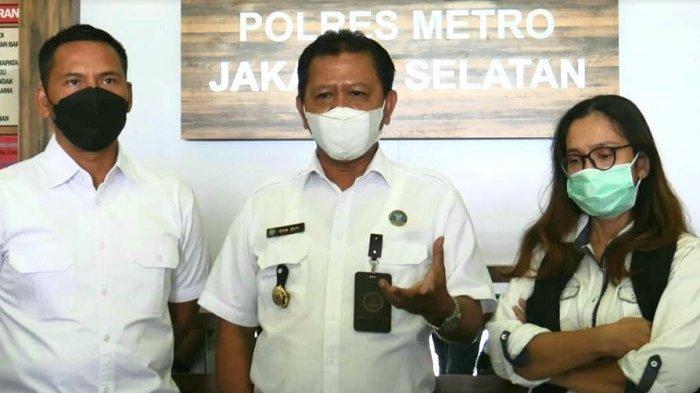 Kepala BNNK Jakarta Selatan Dik Dik Kusnadi menyampaikan hasil asesmen rehabilitasi Iyut Bing Slamet di Polres Metro Jakarta Selatan, Selasa (8/12/2020).