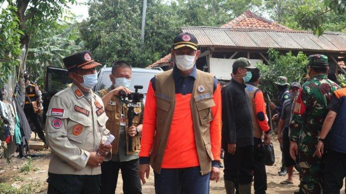 Tinjau Banjir Garut, Kepala BNPB: Ketangguhan Masyarakat Bentuk Optimisme Hadapi Bencana