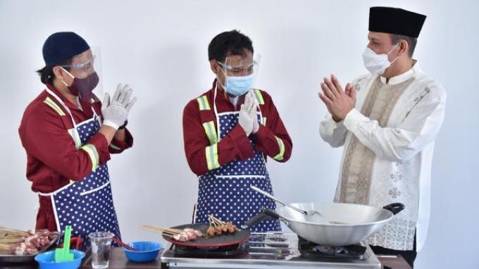 Rayakan Momen Idul Adha Bersama Kepala BNPT, Napiter Unjuk Kebolehan Memasak Daging Kurban