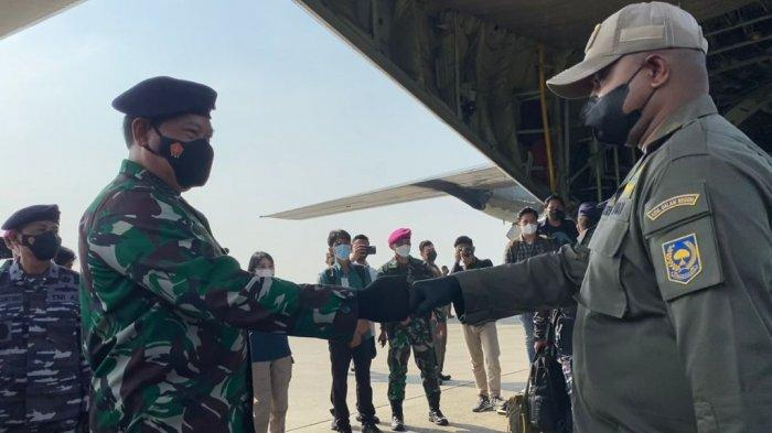 KSAL Wakili Panglima TNI Berangkatkan Satgas Covid-19 ke Papua Gunakan Pesawat TNI AU