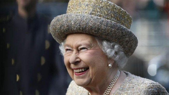 Muncul Rumor, Ratu Elizabeth Pesan 80 Jersey Ronaldo Lengkap dengan Tanda Tangannya. Benarkah?
