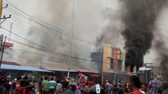 Kerusuhan di Kota Manokwari, Papua Barat, Senin (19/8/2019).