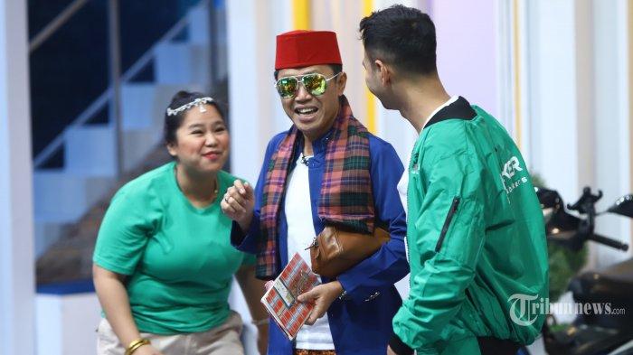Eko Patrio bersama Raffi Ahmad saat shooting Pesbukers Ramadan di Studio ANTV, di Jakarta, Selasa (7/5/2019).