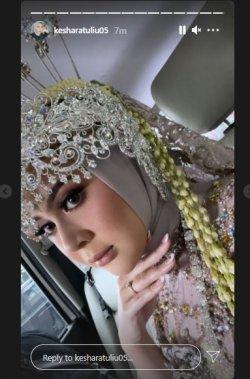 Kesha Ratuliu menikah dengan adat Sunda