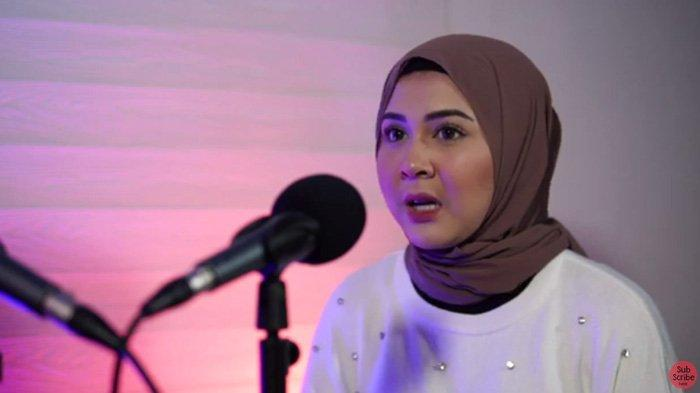 Kesha Ratuliu pernah dipukul bahkan diinjak oleh mantan kekasihnya