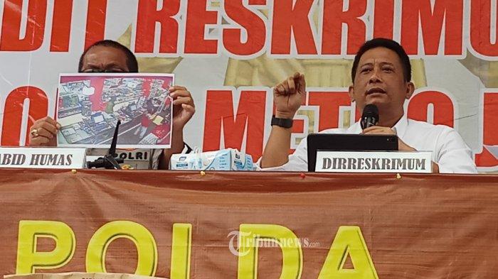 MISTERI KEMATIAN YODI PRABOWO TERKUAK - Ditreskrimum Polda Metro Jaya, berhasil menguak misteri  kematian Yodi Prabowo, editor video Metro Tv, Sabtu (25/7/2020). Menurut Direktur Reserse Kriminal Umum Polda Metro Jaya, Tubagus Ade Hidayat, setelah melakukan penyelidikan dan penyidikan pihaknya menyimpulkan kalau kematian korban diduga akibat bunuh diri. WARTA KOTA/NUR ICHSAN