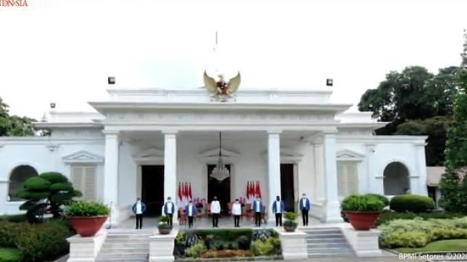 Enam Menteri Baru Diperkenalkan Presiden di Veranda Istana Merdeka