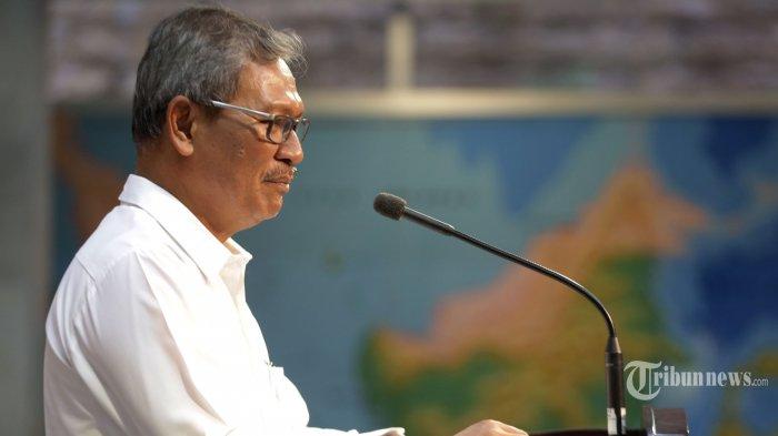 Sekretaris Direktorat Jenderal Pencegahan dan Pengendalian Penyakit Kemenkes Achmad Yurianto yang juga juru bicara pemerintah untuk penanganan virus Corona memberikan keterangan pers di Kantor Presiden, Jakarta, Jumat (6/3/2020).