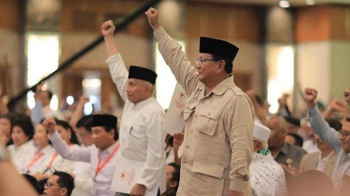 Ketua Dewan Kehormatan PAN, Amien Rais, dan capres no urut 02, Prabowo Subianto. (Instagram/amienraisofficial)