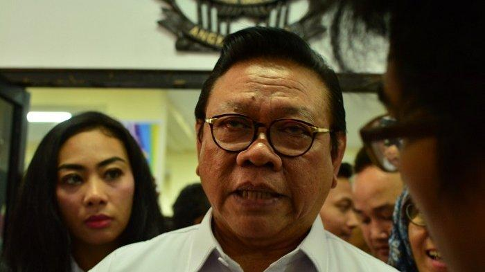 Ketua Dewan Pakar Partai Golkar Agung Laksono di Gedung Dewan Harian Nasional 45, kawasan Menteng, Jakarta Pusat, Kamis (15/11/2018).