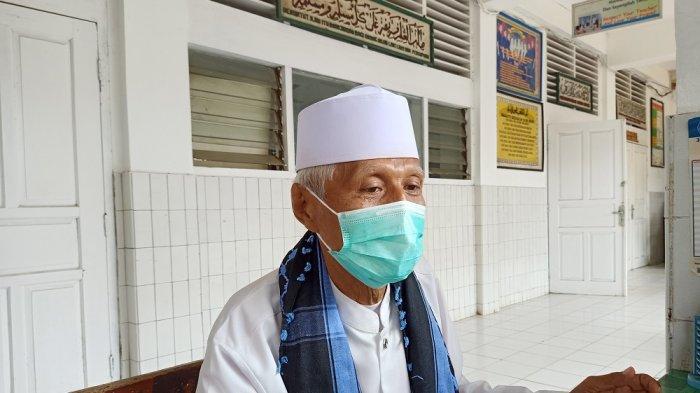 Ketua DKM Masjid Jami Cikini Al Ma'mur, Haji Syahlani (72),