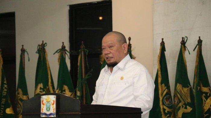 Ketua DPD RI Bangga Sarung Tradisional Cerme Gresik Tembus Pasar Dunia