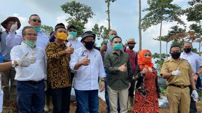 Ketua DPD Kunjungi Sentra Bawang di Cianjur